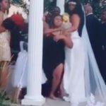 Una mujer embarazada irrumpe en medio de su amorosa boda (momento del video)