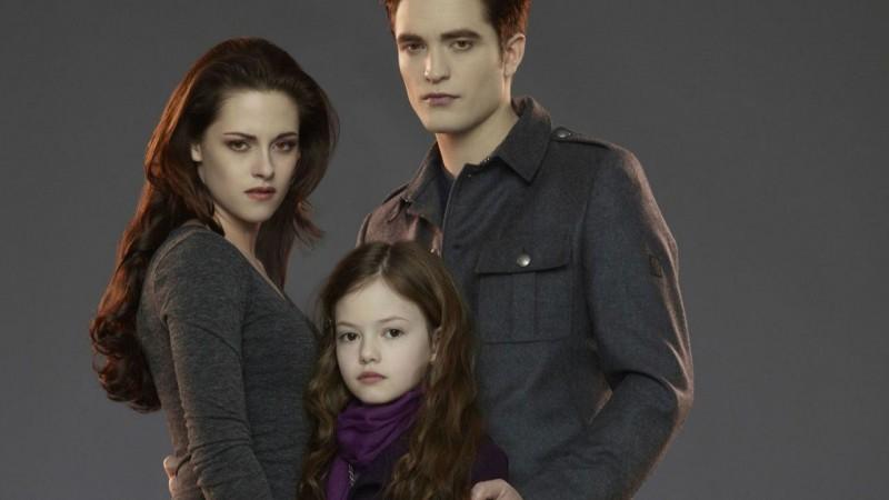 """El desarrollo de la actriz que dio vida a Renesmee, la hija de Eduard y Belly en la película """"Crepúsculo"""""""