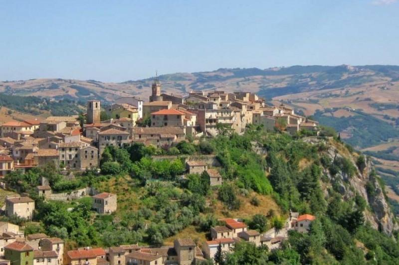 Ciudad italiana donde las casas se venden por menos de 1 euro