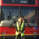 Una pareja británica convierte un autobús en la casa de sus sueños (y sin pagar una hipoteca)