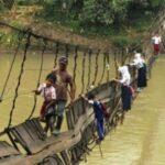 Adversidad por la que pasan muchos niños en el mundo para llegar a la escuela