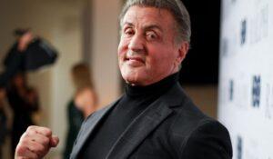 Sylvester Stallone está mostrando su duro entrenamiento de fuerza ... ¡74 años!  - CABROWORLD